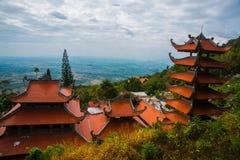 Pagod tempel askfat vietnam Phan Thiet Sommar Arkivbilder