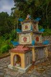 Pagod tempel askfat vietnam Phan Thiet Sommar arkivbild