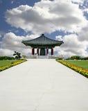 Pagoda ajustado no fundo bonito da natureza Imagens de Stock Royalty Free