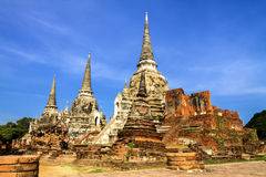 Pagoda antigua y ruina con el cielo Fotos de archivo