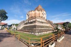 Pagoda antique au temple de Wat Chedi Luang en Chiang Mai, Thaïlande Photographie stock