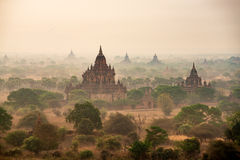 Pagoda antique dans Bagan photographie stock
