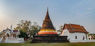 Pagoda antique dans le temple bouddhiste Sukhothai photographie stock libre de droits