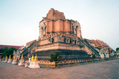 Pagoda antique en Wat Chedi Luang, Chiang Mai, Thaïlande Photo libre de droits
