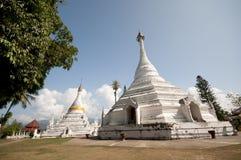Pagoda blanca de Tailandia Imagenes de archivo