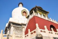 Pagoda blanca en el primer del parque de Beihai de Pekín fotografía de archivo libre de regalías