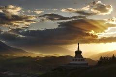 Pagoda blanche bouddhiste tibétaine Photos libres de droits