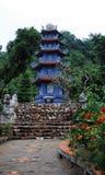 Pagoda bleue sur la montagne de marbre photo stock