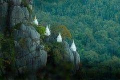 Pagoda budował na falezie Zdjęcie Stock