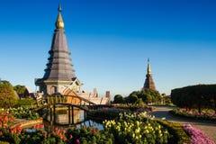Pagoda con el azul-cielo en las montañas de Inthanon, Tailandia Imagen de archivo