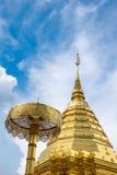 Pagoda d'or de Wat Phra That Doi Suthep en Chiang Mai, Thailan Photos stock