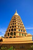Pagoda d'or en Thaïlande Photo stock