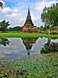 Pagoda dans le temple thaï images stock