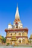 Pagoda dans le wat Chalong, Phuket, Thaïlande Image stock