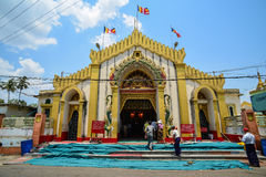Pagoda de Botataung en Rangún (Rangoon), Myanmar Foto de archivo