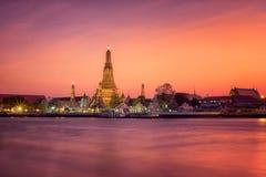 Pagoda de canalisation d'arun de Wat Images libres de droits
