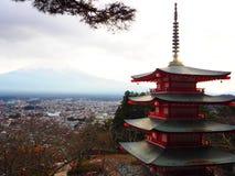 pagoda de chureito avec le mt fuji Image libre de droits