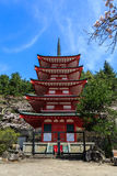 Pagoda de Chureito dans le tombeau d'Arakura Sengen photos stock