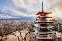 Pagoda de Chureito et demi Mt fuji Photo libre de droits