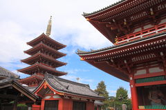 Pagoda de cinco histórias no templo de Sensoji, Japão Imagem de Stock