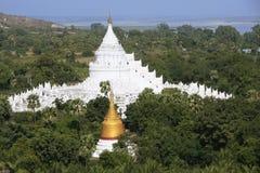 Pagoda de Hsinbyume dans Mingun, Mandalay, Myanmar Photo libre de droits