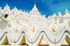 Pagoda de Hsinbyume dans Mingun dans Myanmar Birmanie photos stock