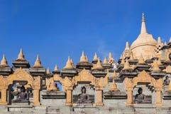 Pagoda de la piedra arenisca en templo del PA Kung del wat en Tailandia Fotografía de archivo libre de regalías