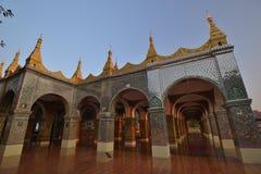 Pagoda de Mandalay Sutaungpye image stock