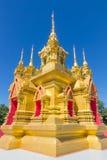 Pagoda de oro imagenes de archivo