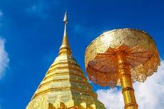 Pagoda de oro en Doi Su Thep Fotografía de archivo