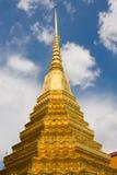 Pagoda de oro en el área magnífica del palacio en Bangkok, Fotos de archivo