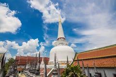 Pagoda de oro en lugar de la adoración para el buddhism en meridional del th Fotografía de archivo