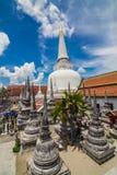 Pagoda de oro en lugar de la adoración para el buddhism en meridional del th Imágenes de archivo libres de regalías