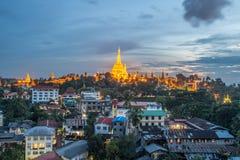 Pagoda de Shwedagon en el polvo, Myanmar Imagen de archivo