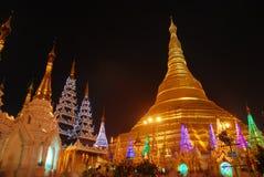 Pagoda de Shwedagon et autour Image libre de droits