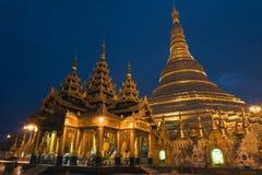 Pagoda de Shwedagon por la tarde Foto de archivo