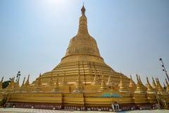 Pagoda de Shwemawdaw chez Bago Photo stock