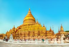 Pagoda de Shwezigon dans Bagan myanmar Panorama photo libre de droits