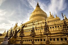 Pagoda de Shwezigon en Bagan Myanmar photographie stock libre de droits