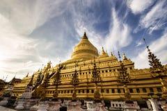 Pagoda de Shwezigon en Bagan Myanmar photos stock