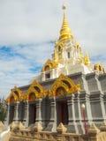 Pagoda de Sinakarintra Stit Mahasantikhiri, Chiang Rai septentrional de Tailandia fotografía de archivo
