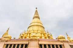 Pagoda de Sriwiengchai chez Wat Phra Bat Huai Tom photos libres de droits