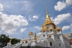 Pagoda de Stupa d'or de la Thaïlande Photographie stock