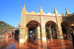 Pagoda de Sutaungpyei de colline de Mandalay Image libre de droits
