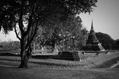 Pagoda de temple antique au parc historique de Sukhothai Photos stock