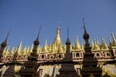 Pagoda de Thanboddhay, Monywa, Myanmar Imagen de archivo