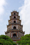 Pagoda de Thien MU en la ciudad de la tonalidad, Vietnam imagen de archivo libre de regalías