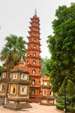 Pagoda de Tran Quoc, Hanoi, Vietnam imagen de archivo