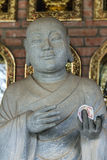 Pagoda de Vietnam Chua Bai Dinh: Ciérrese para arriba del filósofo budista w imagenes de archivo