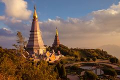 Pagoda del paesaggio due al parco nazionale di Inthanon di doi, Chiang Mai, Tailandia, Fotografia Stock Libera da Diritti